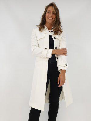abrigo-blanco-plisado-i145110b-banes-moda-ramallosa-nigran-d