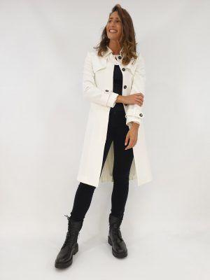 abrigo-blanco-plisado-i145110b-banes-moda-ramallosa-nigran-d1