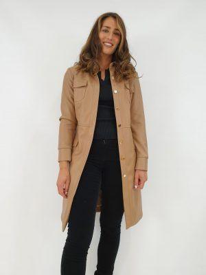 abrigo-camel-i145075c-banes-moda-ramallosa-nigran-d1