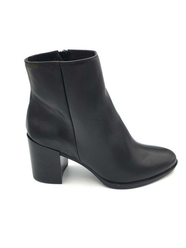botin-negro-gaucho-hobby-i9602-banes-moda-ramallosa-nigran-d