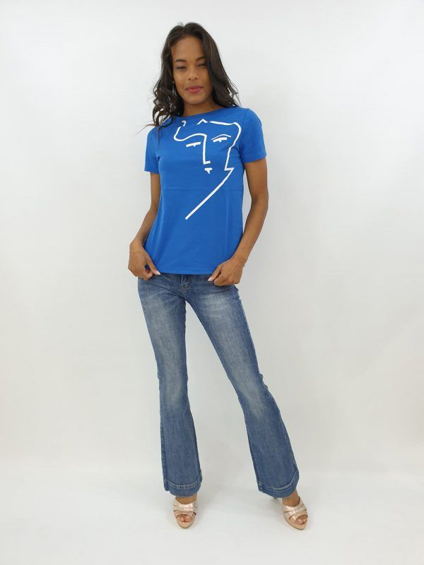 camiseta-azul-rostro-v124208305a-banes-moda-ramallosa-nigran-f