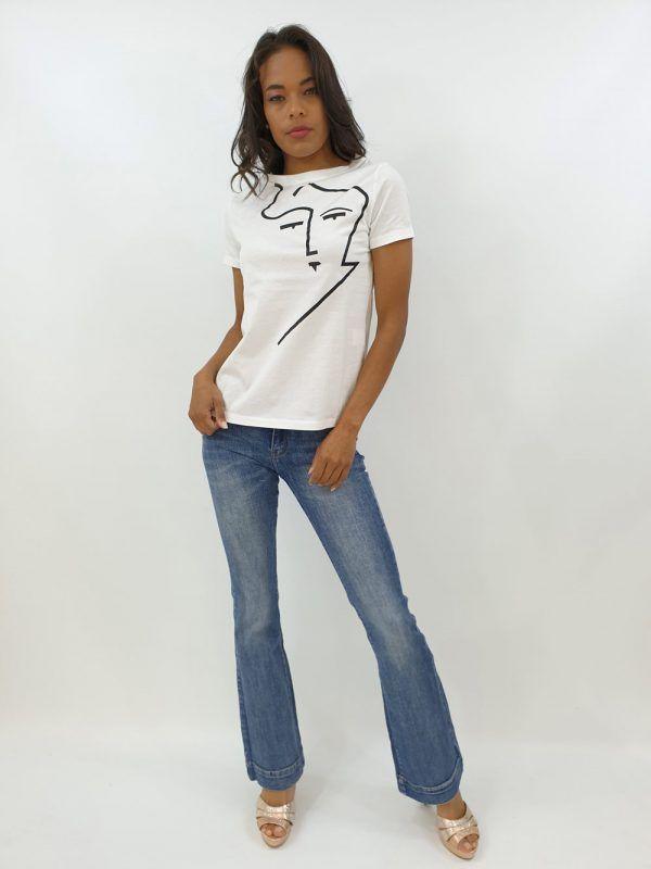 camiseta-blanca-rostro-v124208305b-banes-moda-ramallosa-nigran-f
