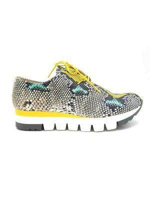 zapatillas-sneakers-amarillo-serpiente-salonissimos-V0paua-banes-moda-ramallosa-nigran-d