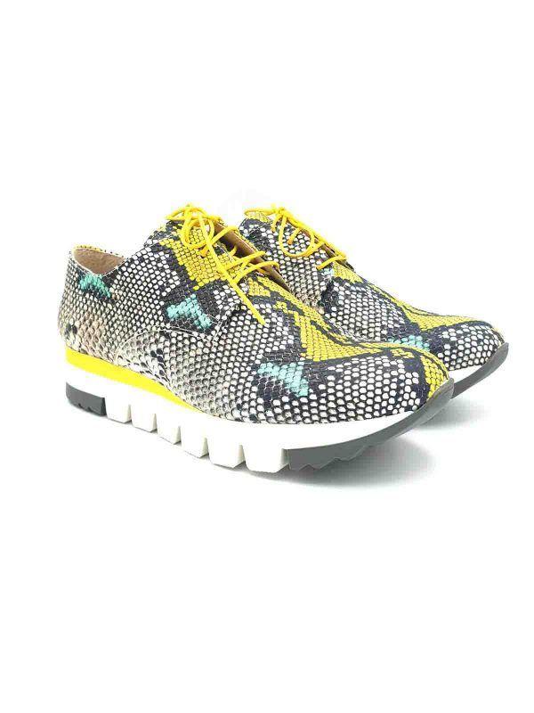 zapatillas-sneakers-amarillo-serpiente-salonissimos-V0paua-banes-moda-ramallosa-nigran-f