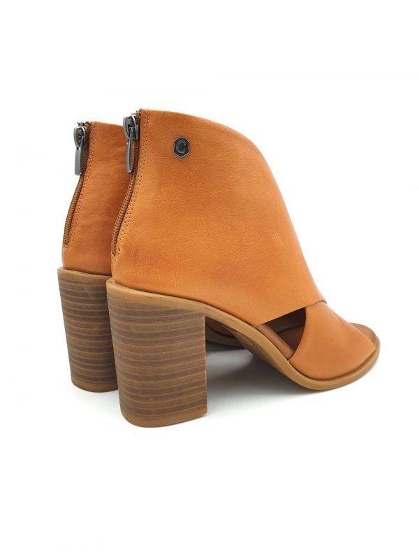 zapato-tacon-abotinado-camel-carmela-V167129-banes-moda-ramallosa-nigran-t